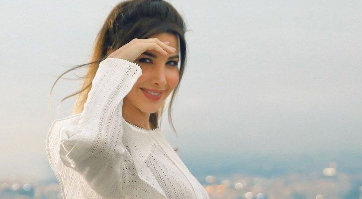 """نانسي عجرم تطرح الإعلان الترويجي لكليب """"سلامات""""– بالفيديو"""
