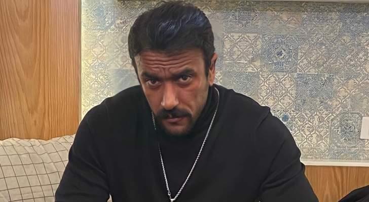 أحمد العوضي يمارس رياضة الملاكمة-بالفيديو