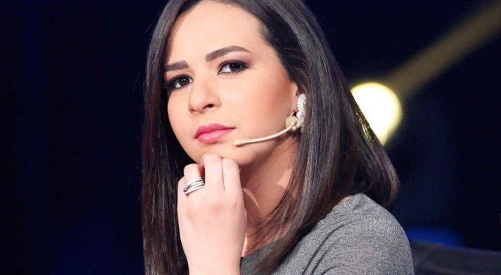 إيمي سمير غانم تثير قلق الجمهور على الحالة الصحية لـ والدتها دلال عبد العزيز
