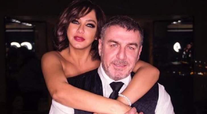 وائل رمضان يريد الزواج سراً على سلاف فواخرجي وهي تعلّق-بالصورة