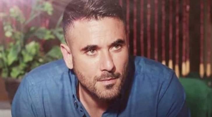 """خاص- """"الفن"""" يكشف أسباب إنسحاب مخرج مسرحية أحمد عز"""