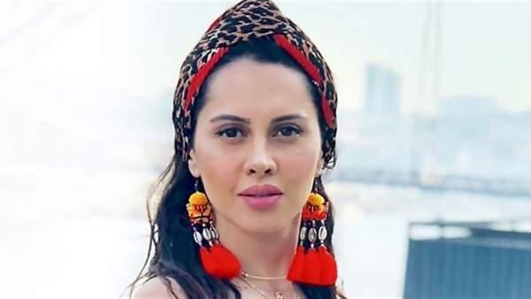 ياسمين رئيس تكشف عن موعد إصدار اغنيتها مع حسن شاكوش-بالصورة