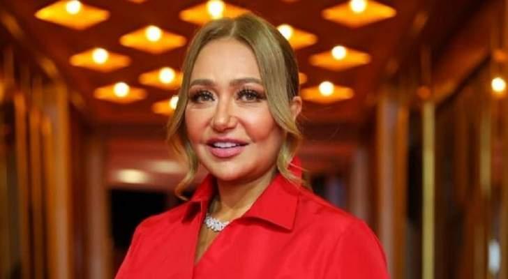 ليلى علوي تستعيد ذكرياتها مع ابنها-بالصور