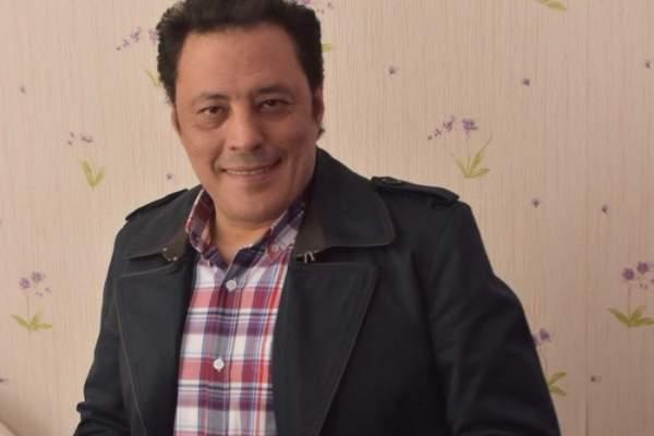 عمرو عبد الجليل على كرسي متحرك-بالصورة