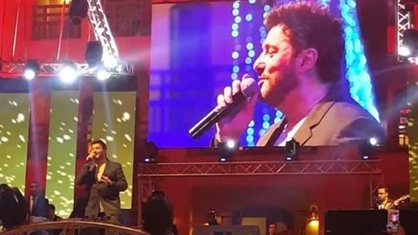 علاء زلزلي يشعل ليل طابا في حفل غنائي مميز..بالصور