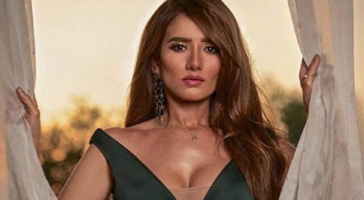 زينة نجحت مجدداً في إستقطاب التعاطف معها بقضيتها مع أحمد عز