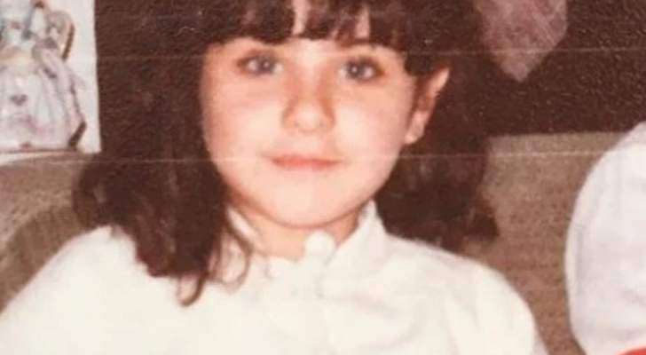 خمنوا من هذه الطفلة التي اصبحت ممثلة مصرية شهيرة