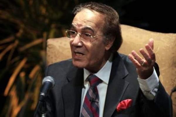 نقابة الممثلين المصريين تدافع عن محمود ياسين .. وتطالب بمعاقبة مروجي شائعة وفاته