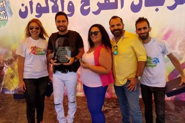 عاليه تنبض بالفرح في مهرجان الألوان مع كوكبة من الفنانين ..بالصور