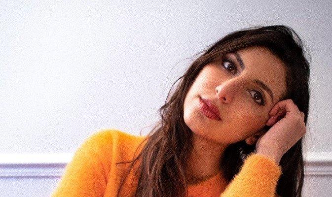 جيني سركيس تدعم المرأة في مواجهة التحرش وعدم المساواة.. بالفيديو