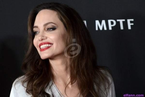 الكشف عن صور إباحية لـ أنجلينا جولي ..شاهدوا كيف بدت!