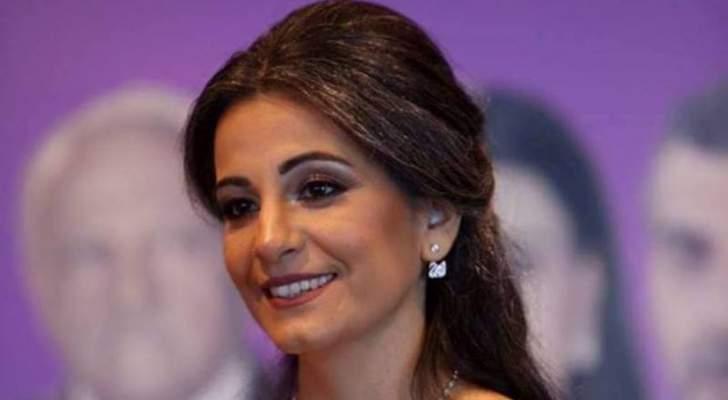 """ليليان بستاني: """"الدراما اللبنانية لا ينقصها شيء ولفتني خمسة ونص"""""""