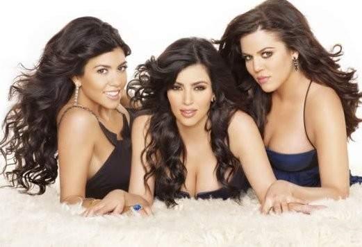 """شقيقتا كيم كارداشيان تعتذران عن المشاركة في """"Keeping Up with the kardashian"""""""