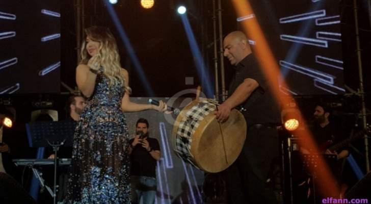 """خاص بالصور- نوال الزغبي تفتتح مهرجان """"بيروت أم الدنيا"""" وتتلقى تكريماً"""