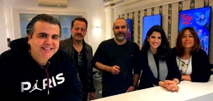 """هكذا إحتفلت كارمن بصيبص وأبطال """"البريئة"""" مع جمال سنان بإنتهاء التصوير.. بالفيديو"""