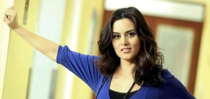 رشا مهدي تتفاعل مع مظاهرات لبنان وماغي بو غصن ترد