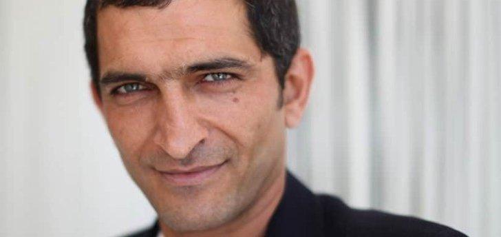عمرو واكد لأول مرة في فيلم ناطق بالإسبانية ويكشف عن شخصيته