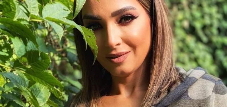 روجينا تتعرض للإنتقادات بسبب إفطار لا يراعي الإجراءات من فيروس كورونا.. بالفيديو