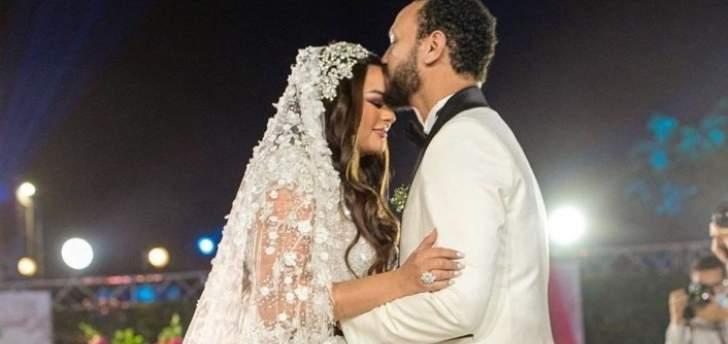أحمد خالد صالح بصورة رومانسية مع زوجته