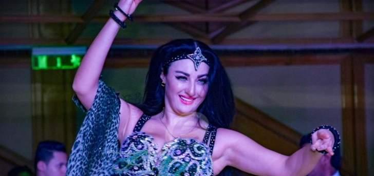 راقصة برازيلية شهيرة تثير ضجة برقصها الشرقي وتنافس صافيناز.. بالفيديو