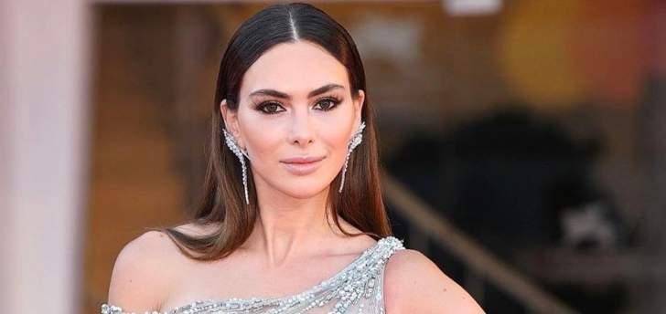 ستيفاني صليبا تستعرض مجوهراتها متجاهلة جرح الوطن وأوجاع اللبنانيين
