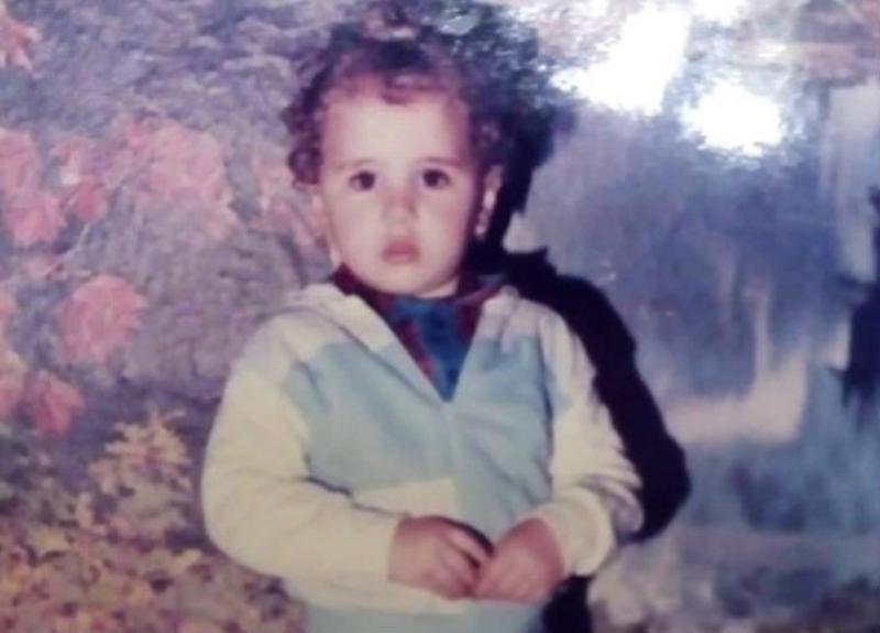 خمنوا من هي هذه الطفلة التي كان يظنها الناس انها صبي