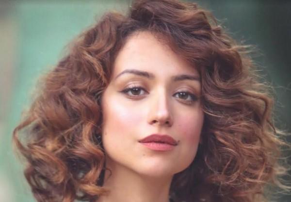 """روزالين البيه تنتهي من تصوير حلقتيها في ملسلس """"رامي"""""""