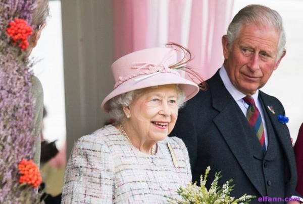 في هذا التوقيت قد تسلّم الملكة إليزابيث مهامها الملكية لإبنها الأمير تشارلز