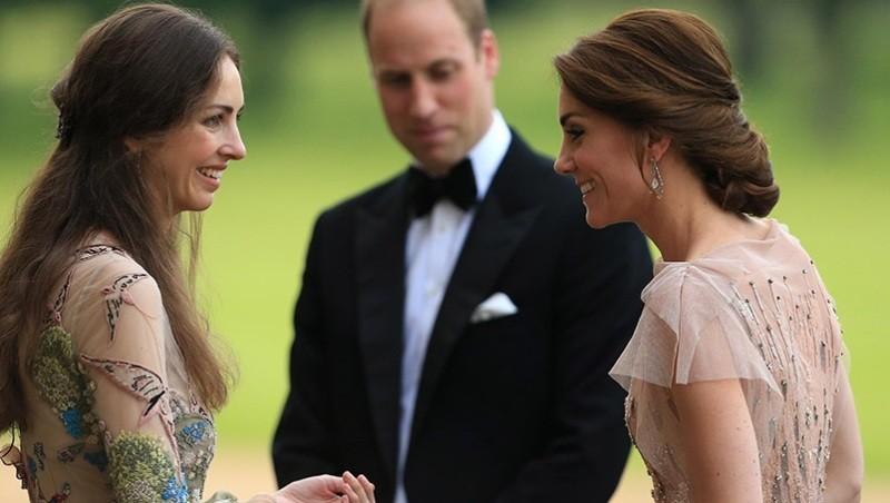 """كيت ميدلتون تطلب من زوجها الأمير ويليام التخلص من """"صديقة عمرها"""""""