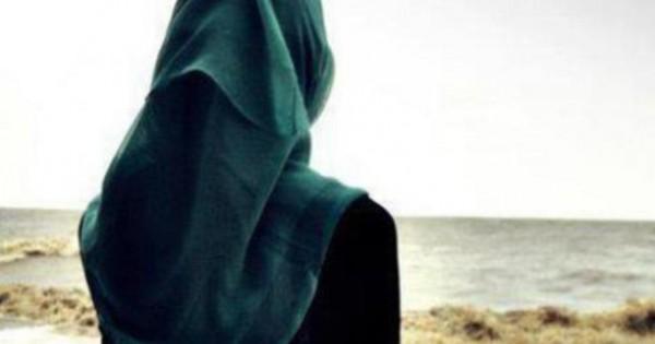 نجمة عالمية ترتدي الحجاب وتزور مسجداً في أبو ظبي.. بالصور