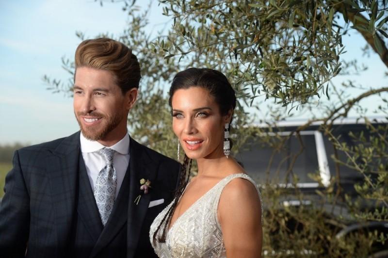 زوجة نجم كرة القدم سيرجيو راموس تختار فستان زفافهما بتوقيع زهير مراد - بالصور