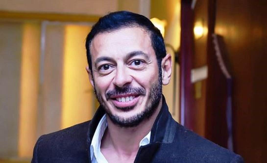 """مصطفى شعبان يشوّق الجمهور لـ """"أبو جبل"""" ويستطلع رأيهم بهذا الأمر-بالفيديو"""