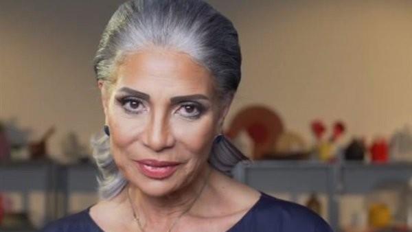 سوسن بدر تكشف عن رعبها بوقوفها أمام هذا الممثل المصري-بالفيديو