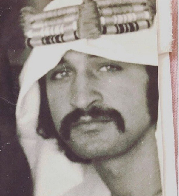 رجل أعمال شهير ووالد أهم عارضي الأزياء يعتز بجذوره الفلسطينية..خمنوا من هو؟
