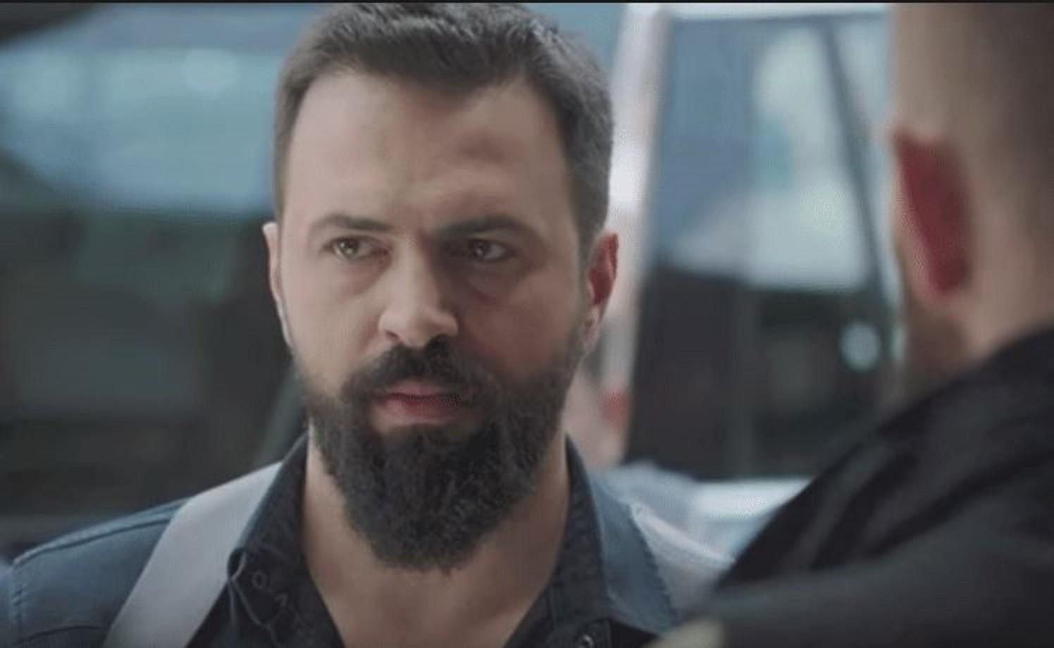 الشرطة تحاصر تيم حسن.. فهل يسلّم نفسه؟ - بالفيديو