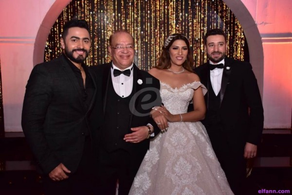 خاص بالصور- أحمد السقا وتامر حسني وفيفي عبده في حفل زفاف إبنة صلاح عبد الله
