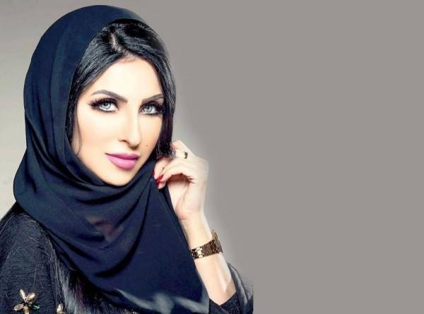 زينب العسكري تفجع بوفاة شقيقتها- بالصورة