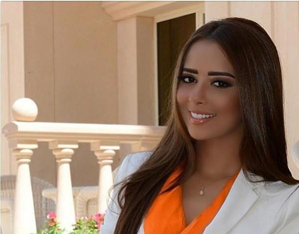 بلقيس فتحي ترقص أمام زوجها قبل حفلها