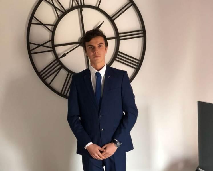 الحكومة الفرنسية تكرم جورج غسان مهاوج على تفوّقه بامتياز