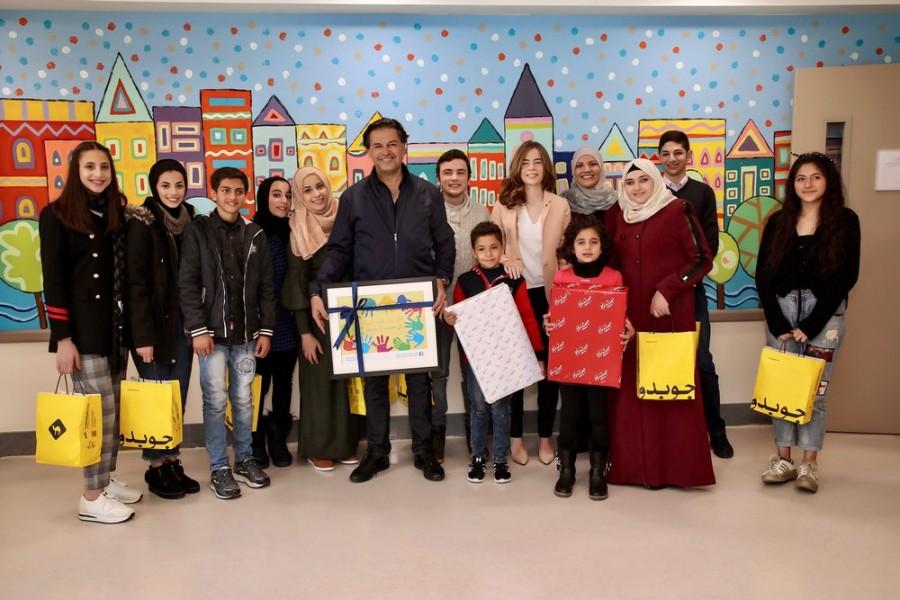 راغب علامة يدخل الفرح لقلوب الأطفال المصابين بالسرطان في الأردن..بالصور