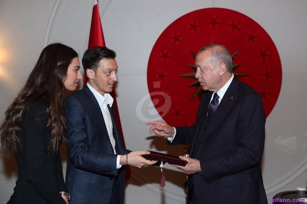 مسعود أوزيل يحتفل بزفافه بحضور الرئيس التركي..بالفيديو