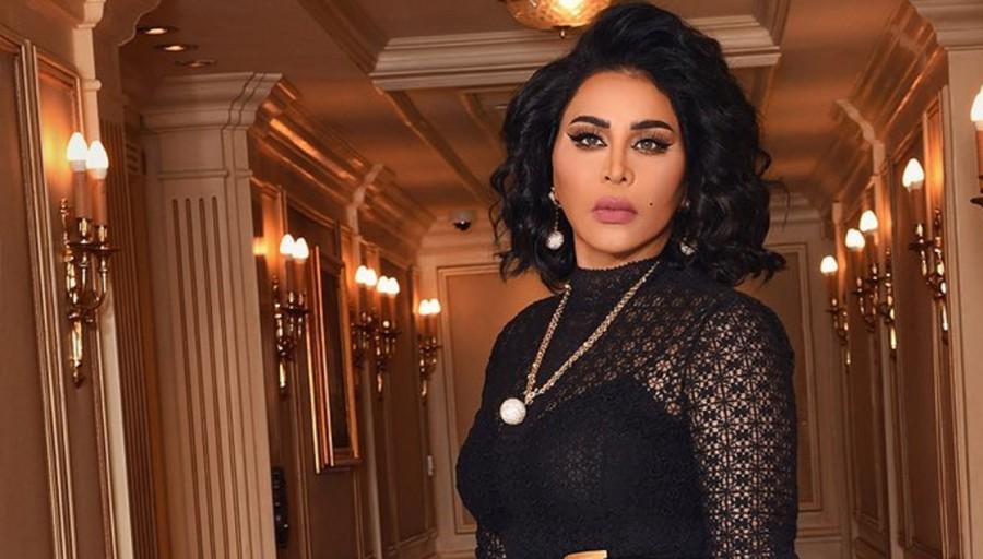 أحلام تدلل جمهورها السعودي وتقدم هدايا للجميع- بالصورة