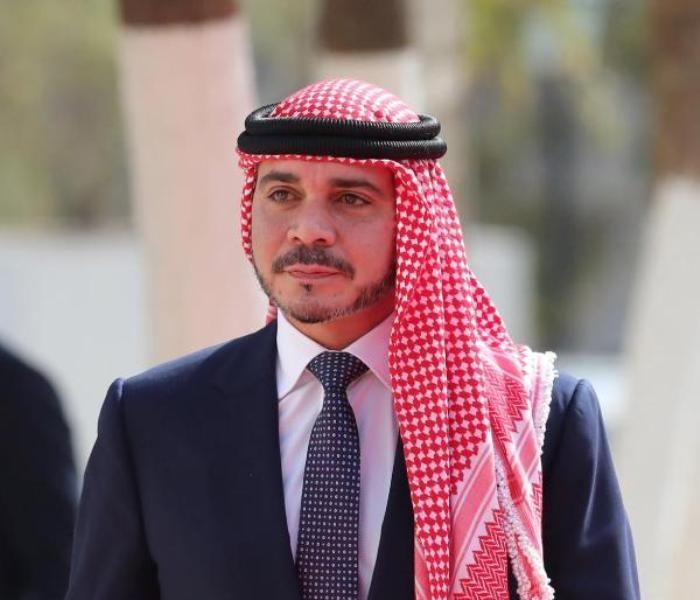 """بعد موجة الانتقادات  هكذا حسم الأمير علي بن الحسين الجدل حول """"جنّ"""""""