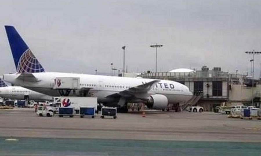شابة عارية تقتحم مطاراً في أميركا وتتسبب في إغلاقه
