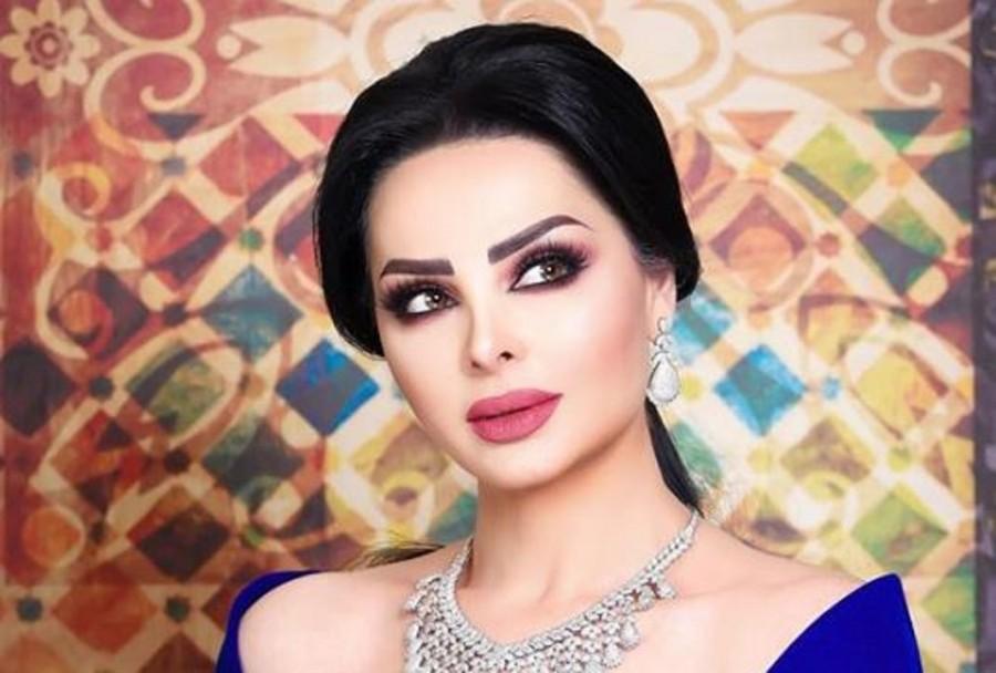 نائب أردني يهاجم ديانا كرزون بسبب فستانها في جرش: ظهرت شبه عارية والحكومة لم تتحرك