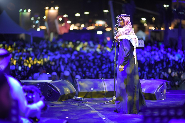 رابح صقر يحيي حفلاً في الإمارات .. بالصور