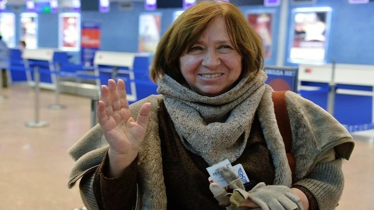 حائزة على جائزة نوبل للأدب تكشف هويتها الجنسية: أنا ثنائية الجنس