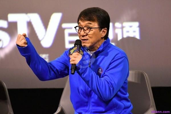 جاكي شان يحدد موقفه من الاحتجاجات في هونغ كونغ