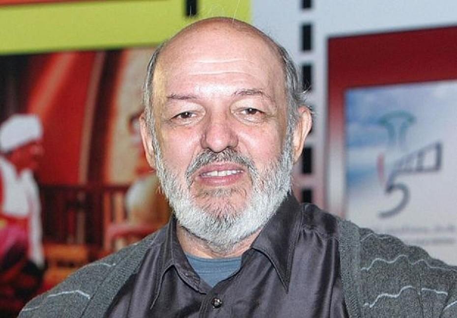 محمد خان من أهم مخرجي جيله وقدّم لـ أحمد زكي 6 أفلام.. وما حقيقة زواجه السري من نهلة سلامة؟