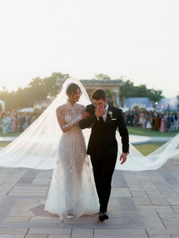 معلومات متضاربة حول نيّة بريانكا شوبرا ونيك جوناس الطلاق